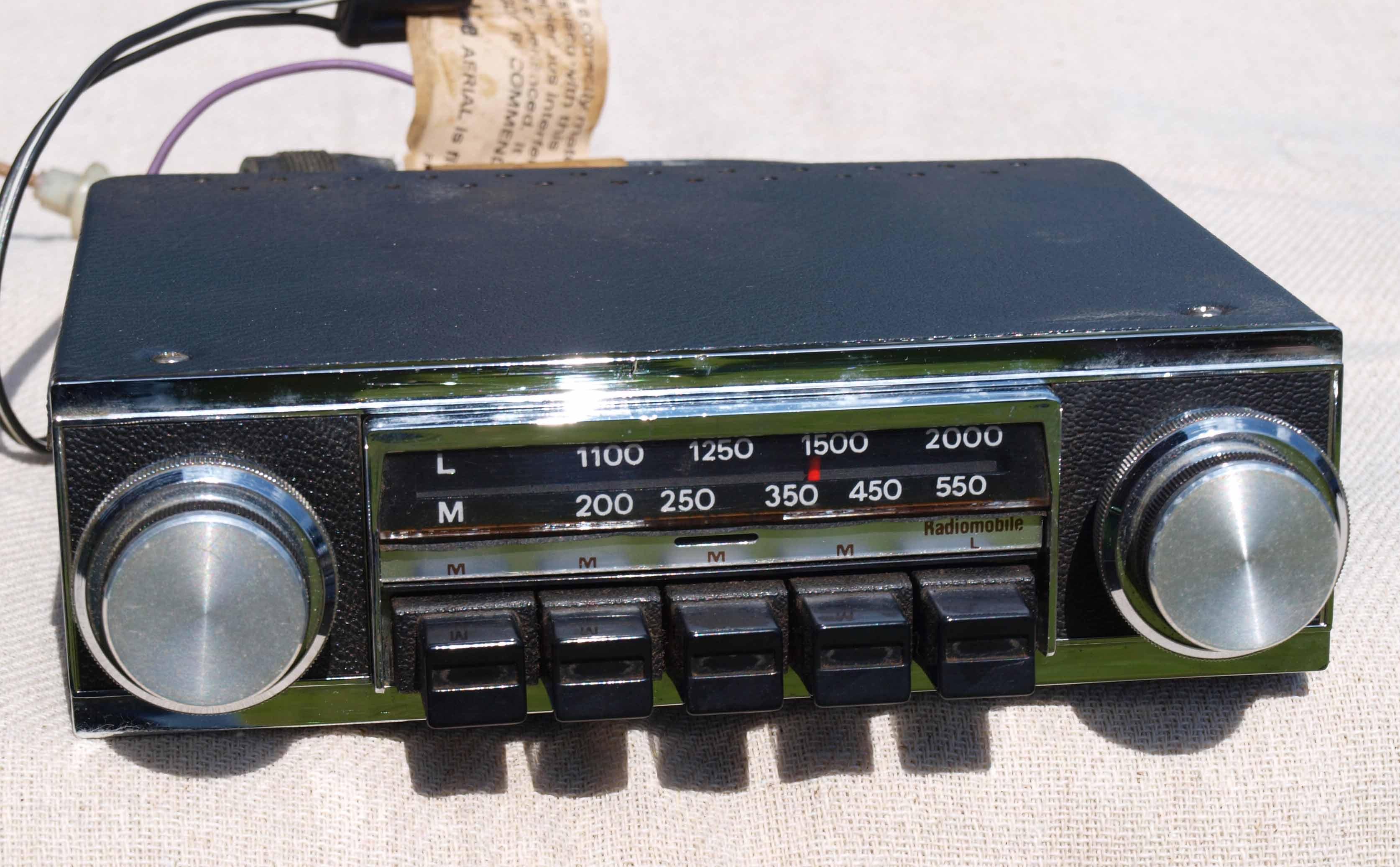 Radiomobile Model 1070