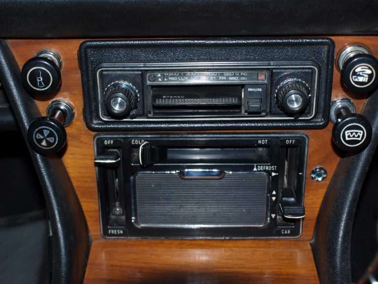 Philips 22RN342 in Triumph Stag